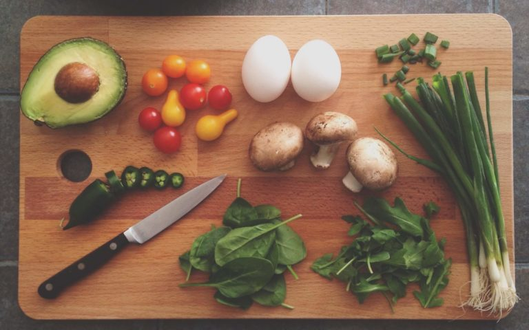 A Beginner's Guide on How to Eat Healthy and Stick to It