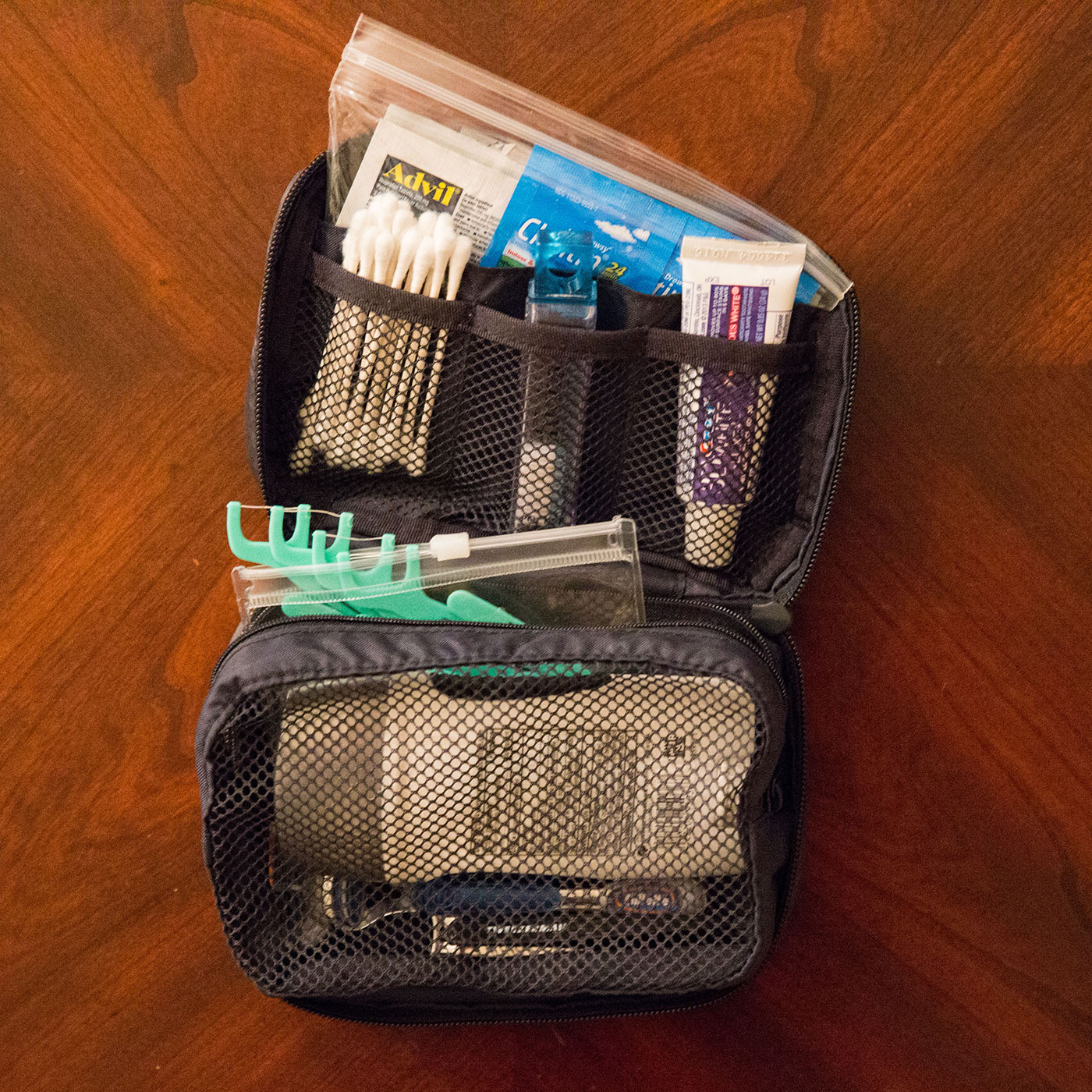 Ultralight packing list how to pack light travel with 1 bag for Minimalist household items